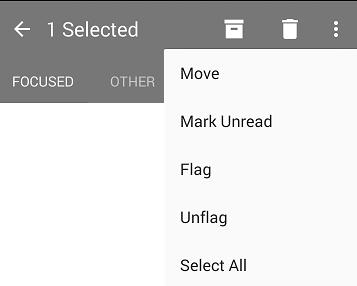 تعرض القائمة المنسدلة الخيارات التالية: نقل، وضع علامة «غير مقروء»، و«علامة»، و«إزالة العلامة»، و«تحديد الكل».
