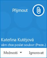 Snímek obrazovky s místním upozorněním na přenos souboru
