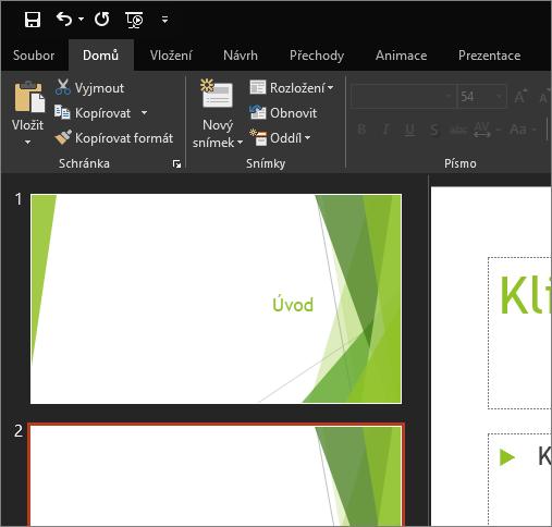 Zobrazuje v PowerPointu 2016 pro Windows černý motiv