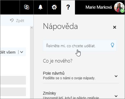Snímek obrazovky s podoknem nápovědy v Outlooku na webu, který zobrazuje pole řekněte mi