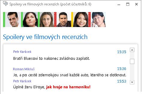 Snímek obrazovky okna chatovací místnosti snovým příspěvkem stučným červeným písmem apřidanou emotikonou