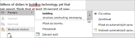 Zobrazuje pravopisnou chybu ve wordovém dokumentu.
