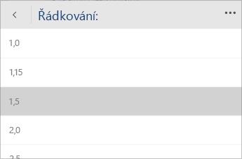 Snímek obrazovky s nabídkou Wordu Mobile pro výběr požadované hodnoty řádkování