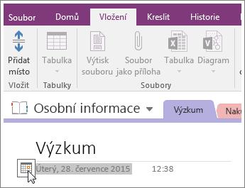 Snímek obrazovky s postupem změny datového razítka stránky ve OneNotu 2016