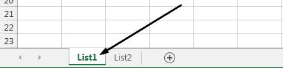 Ouška listů aplikace Excel jsou v dolní části okna aplikace Excel.