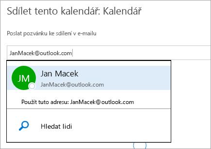 Snímek obrazovky s dialogem pro sdílení kalendáře na Outlook.com