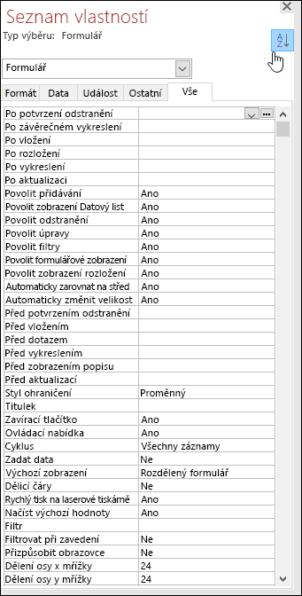 Snímek obrazovky se seznamem vlastností Accessu seřazených podle abecedy