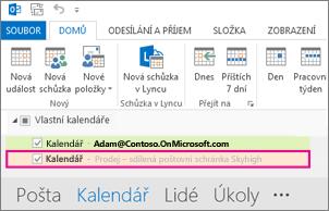 Sdílený kalendář se zobrazí v seznamu složek v Outlooku