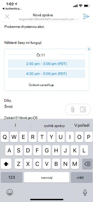 Zobrazuje obrazovku iOS s dostupnými časy uvedenými v konceptu e-mailu. V levém horním rohu je tlačítko X.