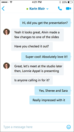 Obrazovka konverzace Skypu pro firmy pro iOS