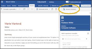 Karta Revize s funkcí Resume Assistant vyznačenou žlutým oválem