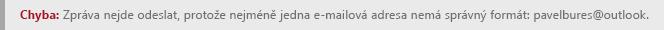 Snímek obrazovky s chybou formátování adresy v aplikaci Outlook.com.