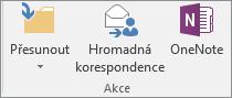 Tlačítko Hromadná korespondence je na kartě Domů ve skupině Akce.