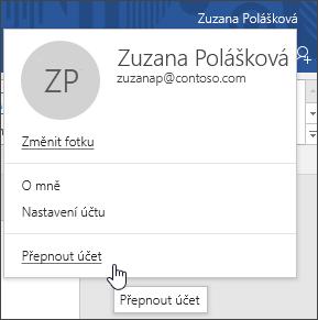 Snímek obrazovky znázorňující postup pro přepnutí účtů v desktopové aplikaci Office