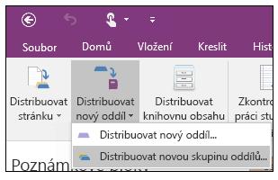 Snímek obrazovky s postupem distribuce nové skupiny oddílů v doplňku Poznámkové bloky pro školy