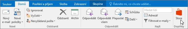Snímek obrazovky znázorňuje kartu Domů v Outlooku s kurzorem ukazujícím na ikonu Storu ve skupině Doplňky.