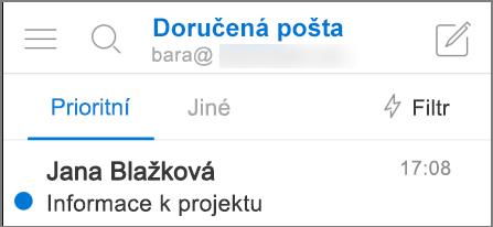 Obrázek, jak vypadá Outlook na iPhonu