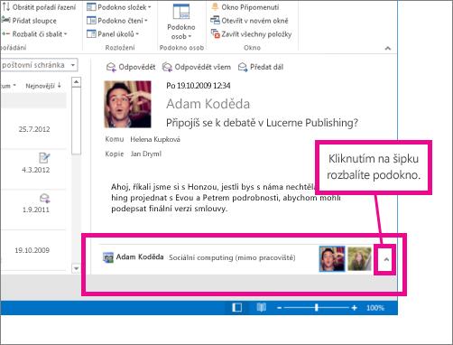 Konektor aplikace Outlook pro sociální sítě je ve výchozím nastavení minimalizovaný