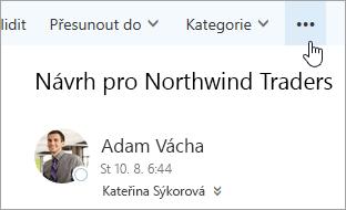 Snímek obrazovky tlačítka více příkazů na řádku nabídek aplikace Outlook.