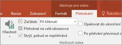 Zobrazí zaškrtávací políčko Skrýt, pokud se nepřehrává v nástrojích pro video v PowerPointu.