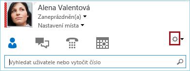 Snímek obrazovky s ozubeným kolečkem možností