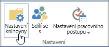 Tlačítka nastavení knihovny SharePointu na pásu karet