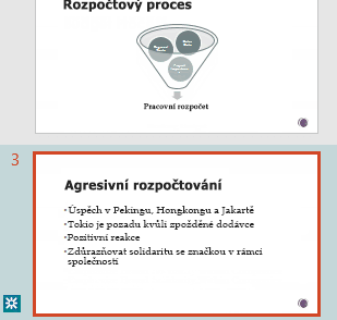 Zvýraznění revizí v podokně miniatur v PowerPointu