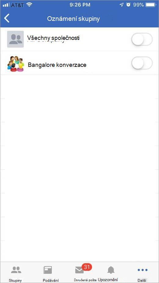 Stránka Yammeru v iOS pro výběr skupin pro příjem oznámení od