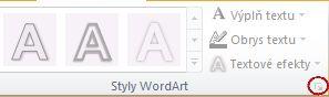 Obrázek pásu karet aplikace PowerPoint