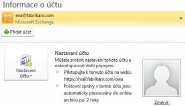 Nastavení účtu serveru Exchange v Backstage zobrazení, včetně informací o aplikaci Outlook Web Access a archiv online