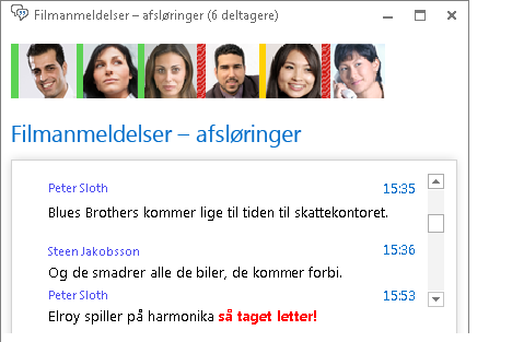Skærmbillede af chatrumvinduet, hvor det nye indlæg vises med fed rød skrift og et tilføjet humørikon