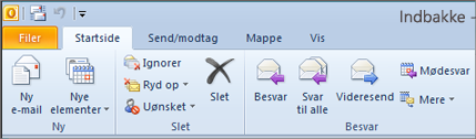 Sådan ser båndet ud i Outlook 2010