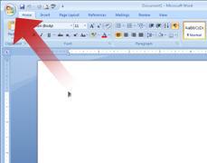 Pil, der peger på knappen Microsoft Office