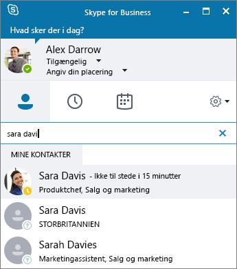 Skærmbillede af Skype for Business-vinduet mens der søges efter en kontakt til tilføjelse.