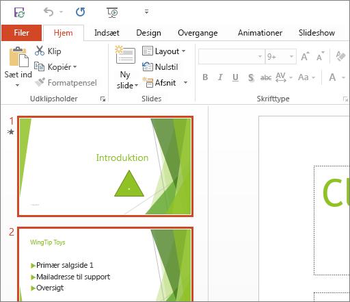 Viser PowerPoint 2016 med det hvide tema anvendt.