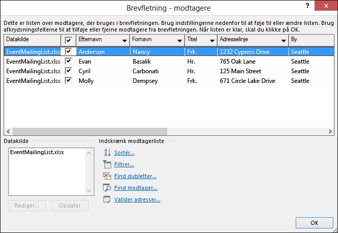 Dialogboksen Brevfletning - modtagere, som viser indholdet af et Excel-regneark, der bruges som datakilde til en adresseliste