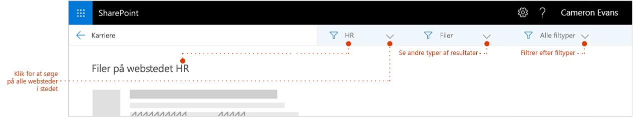 Skærmbillede af søgeresultaterne siden zoomet ind til toppen af resultaterne, hvor en brødkrummen Vis resultaterne kommer fra webstedet. Markører til filtre.