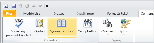 Ikonet Synonymordbog på Outlook-båndet
