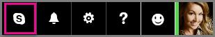 Klik på Skype på navigationslinjen i Outlook.