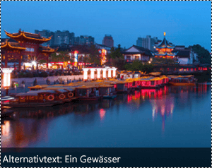 Ein Bild mit automatisch generiertem Alternativtext am unteren Rand des Bilds in Word für Windows.