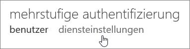 """Seite zur mehrstufigen Authentifizierung mit einer Hand, die auf den Link """"Diensteinstellungen"""" zeigt."""