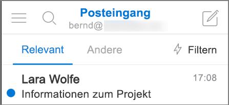 Einen Überblick darüber, wie Outlook auf einem iPhone aussieht.