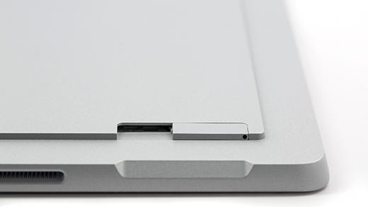 SIM card tray inserted