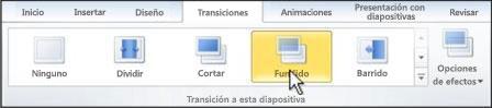 Elija una transición de la galería, en el grupo Transición a esta diapositiva.