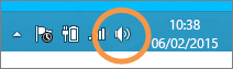 Foco en icono de altavoces de Windows que se muestra en la barra de tareas