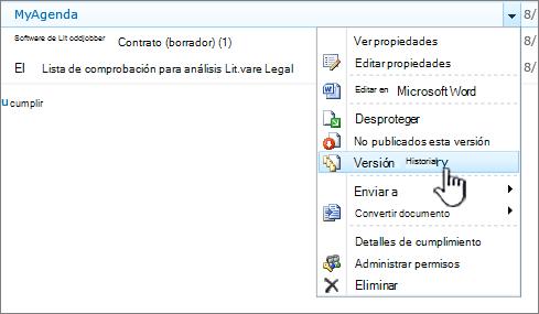 Menú desplegable del documento con el historial de versiones resaltado