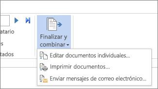 Captura de pantalla de la pestaña Correspondencia de Word, donde se muestra el comando Finalizar y combinar, y sus opciones.