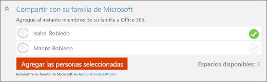 """Captura de pantalla con un primer plano de la sección """"Compartir con Microsoft Family"""" del cuadro de diálogo """"Agregar a alguien"""" con el botón """"Agregar personas seleccionados""""."""