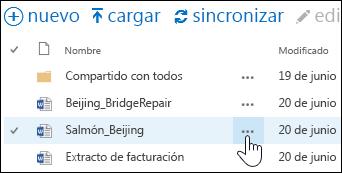 Seleccione el icono Más puntos suspensivos junto al nombre del documento en OneDrive para la Empresa para abrir la tarjeta contextual del documento