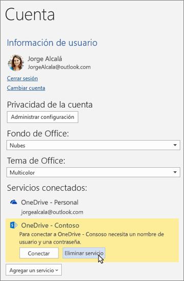 El panel Cuenta de las aplicaciones de Office, en el que se resalta la opción «Quitar servicio» en Servicios conectados.